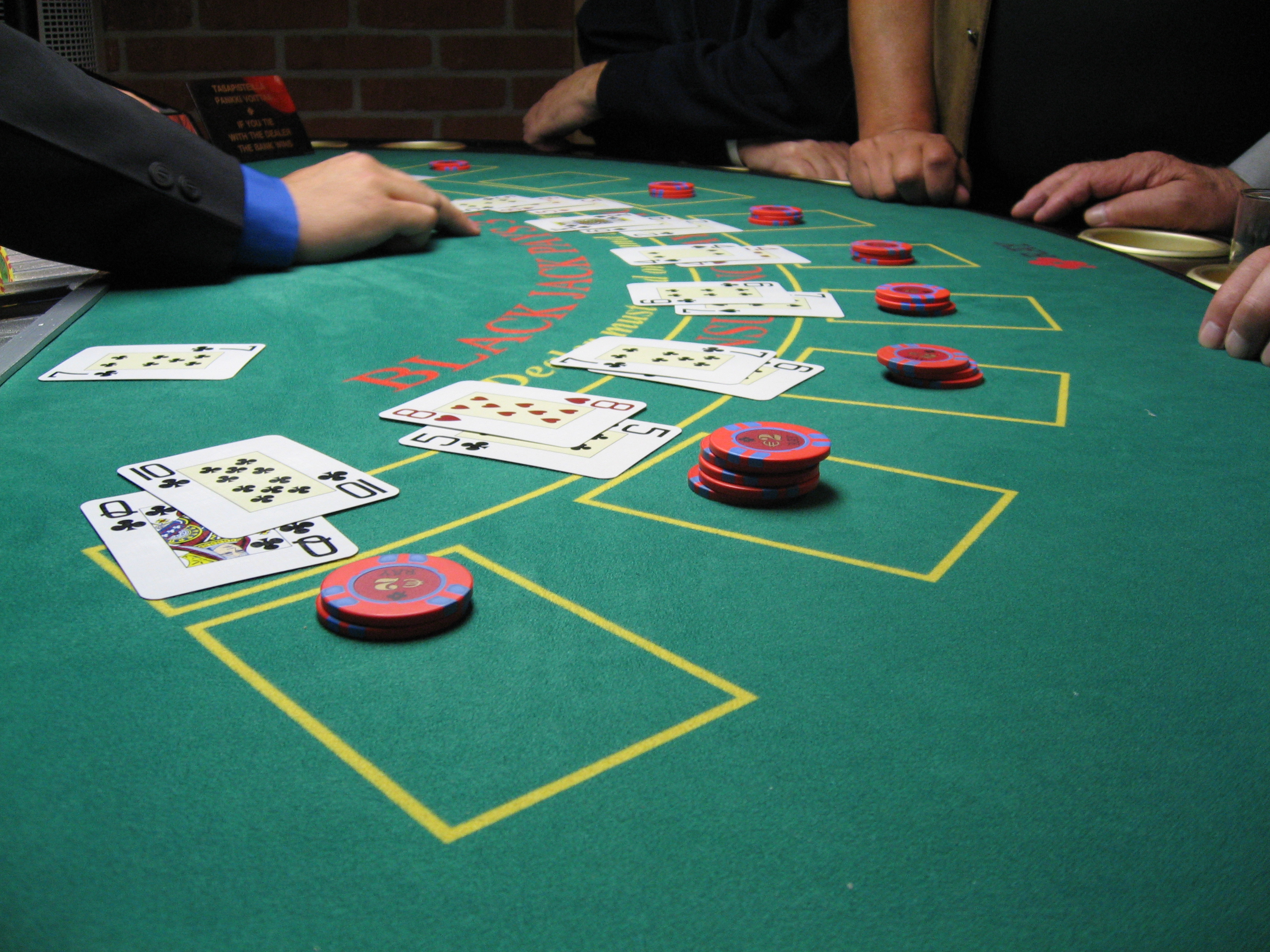 Blackjack counting cards analyser 429576